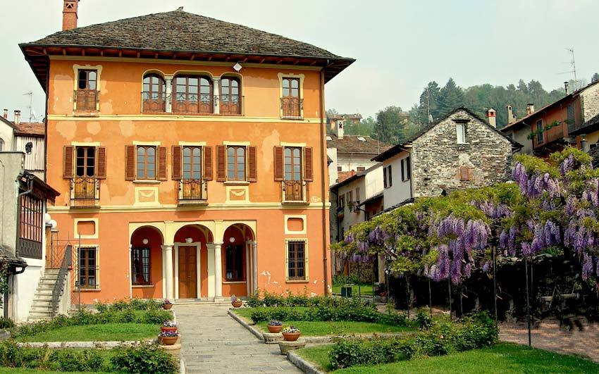 Palace for civil weddings on Lake Orta