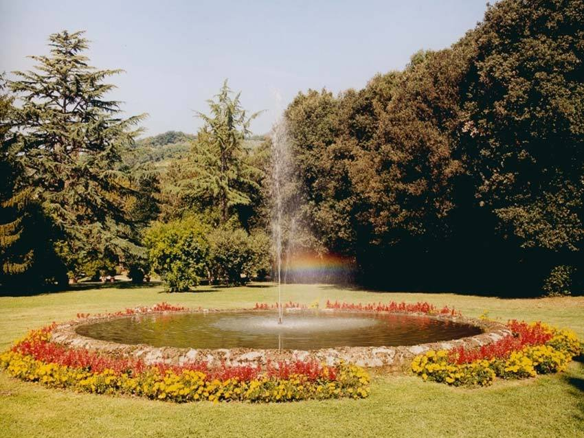 Fountain of Villa Oliva for Tuscany weddings in Lucca