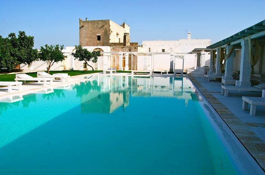 Pool of Masseria Potenti for destination weddings in Puglia