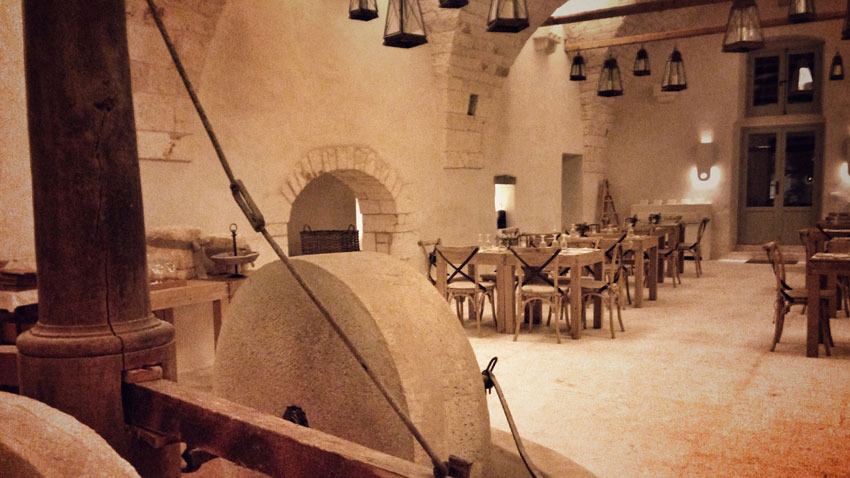Wedding reception at Masseria Le Carrube near Ostuni in Puglia