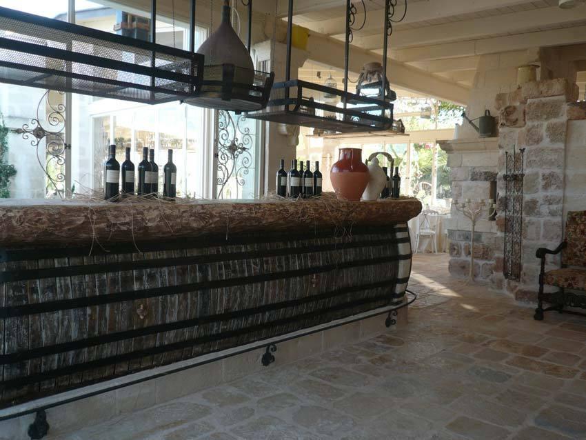Bar of Masseria Montenapoleone for weddings in Puglia