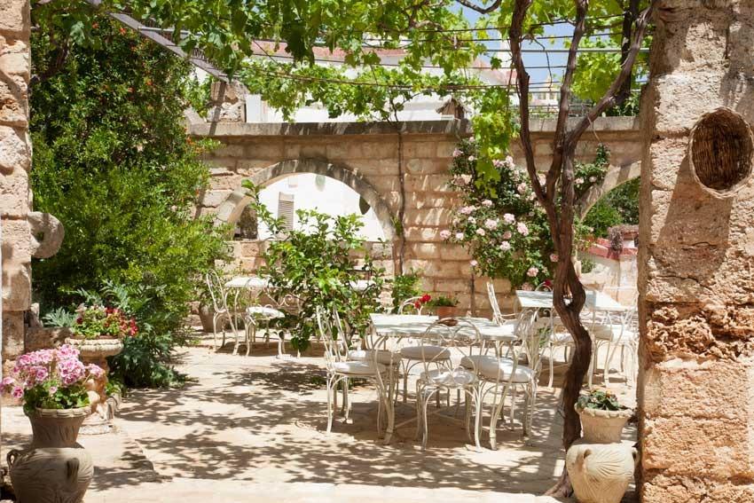Gardens of Masseria Montenapoleone for weddings in Puglia
