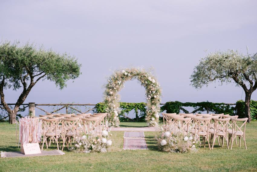 Outdoor wedding ceremony at Villa Cimbrone