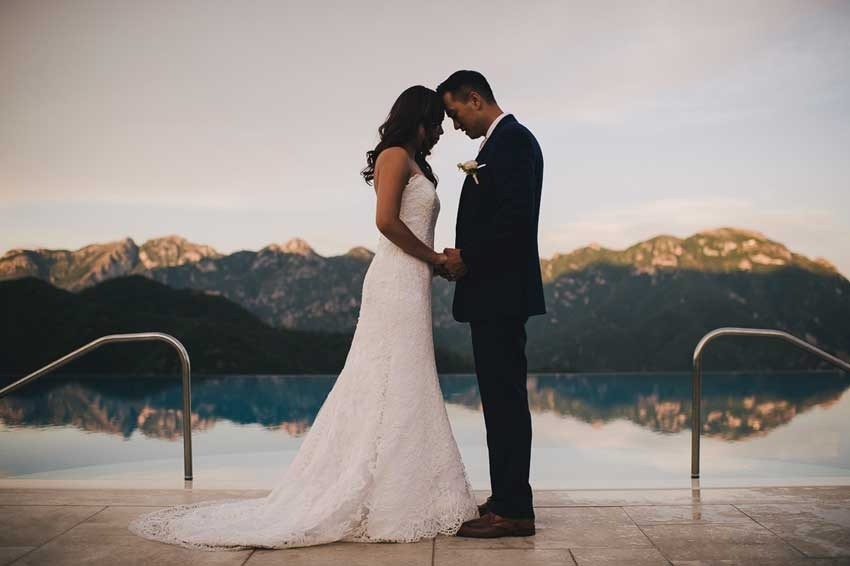 Bridal couple by the Infinity pool