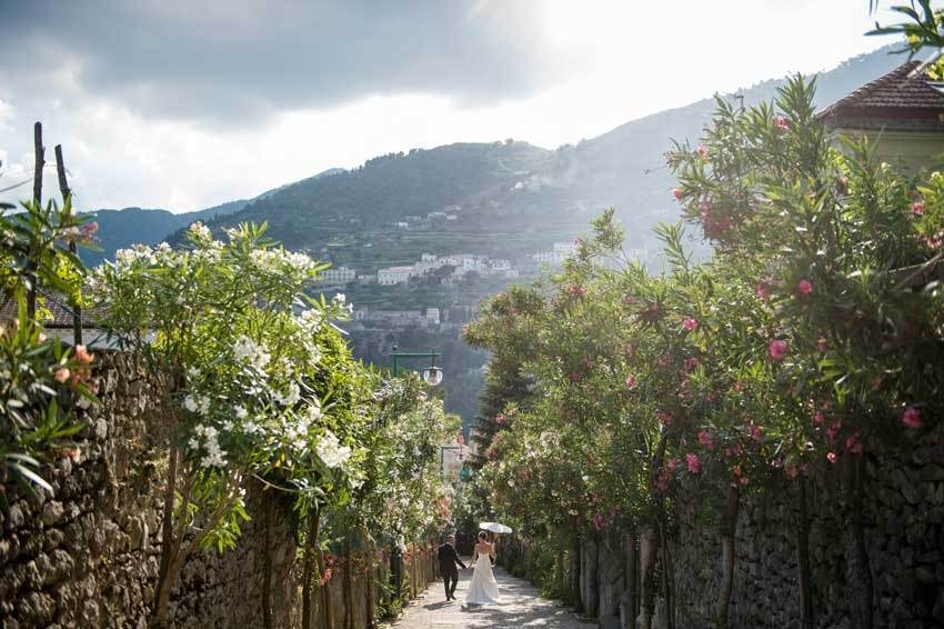 Bride and groom in Ravello gardens