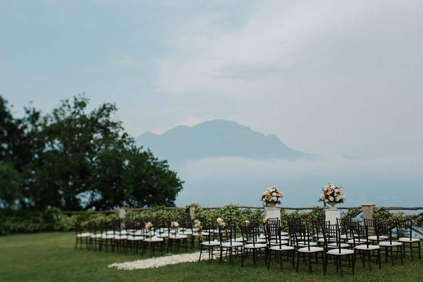 Outdoor wedding ceremony in Ravello