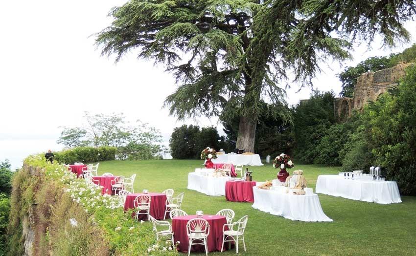 Outdoor wedding reception at Castello Odescalchi near Rome