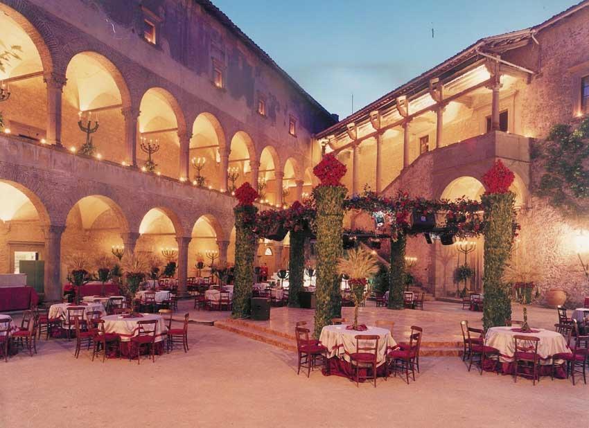 Wedding reception in the courtyard of Outdoor wedding reception at Castello Odescalchi near Rome