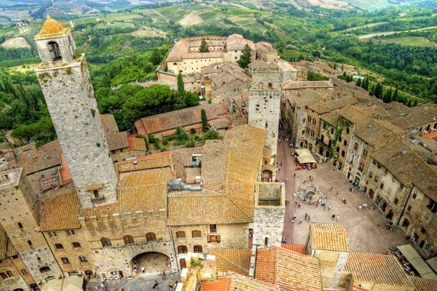 Destination weddings in San Gimignano