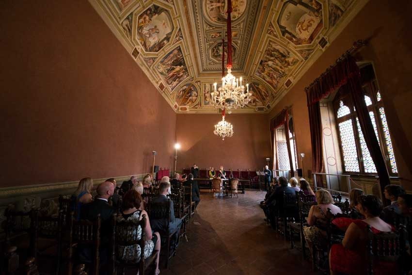 Civil wedding in Siena Town Hall
