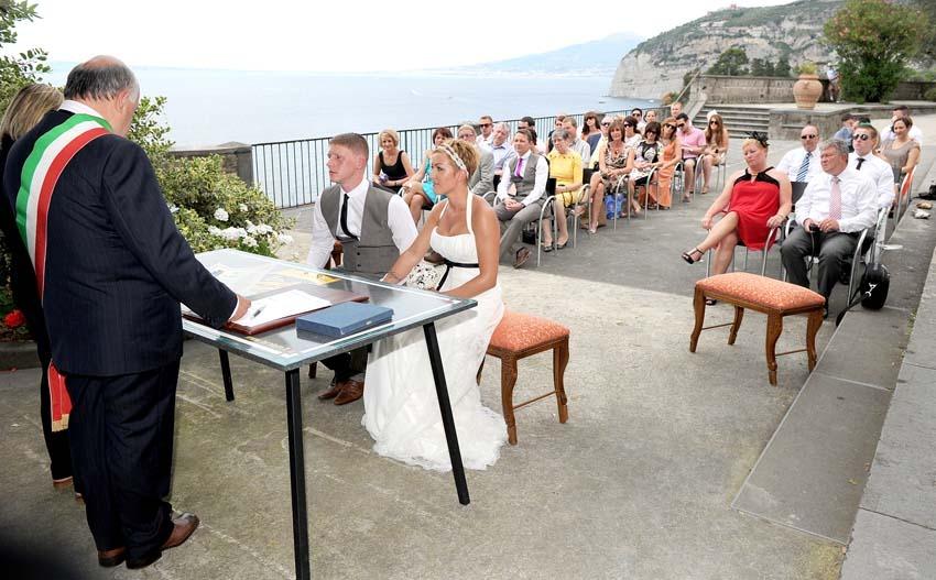Civil ceremony at Villa Fondi Sorrento