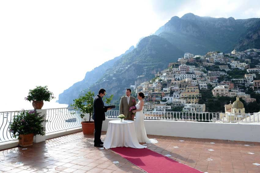 Outdoor symbolic ceremony in Positano