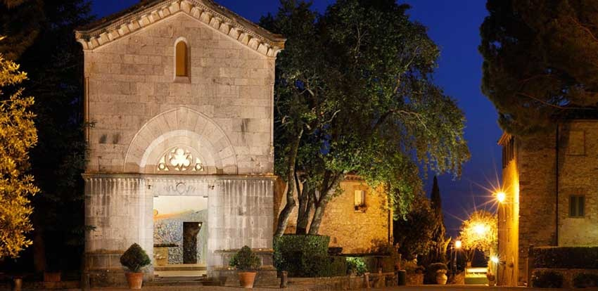 Chapel of Borgo San Felice for weddings in Tuscany