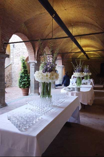 Wedding cocktail at Castello Banfi in Tuscany