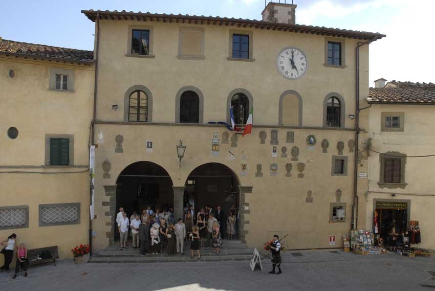 Town Hall of Radda in Chianti for weddings in Tuscany