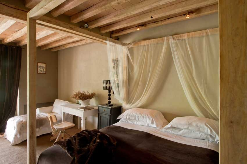 Bedroom at Conti San Bonifacio for Tuscany weddings in the Chianti region