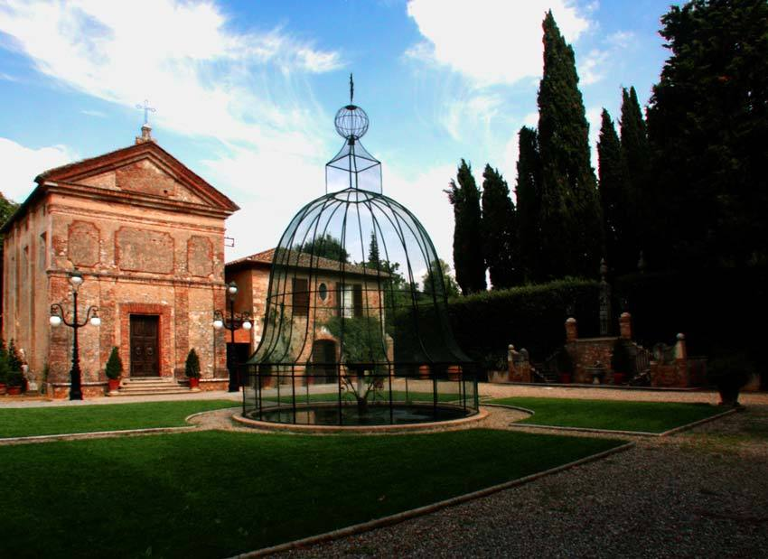 Private church at Relais La Suvera for Tuscany weddings