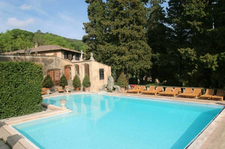 Outdoor pool at Relais La Suvera in Tuscany