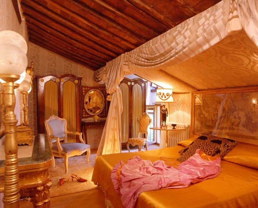Luxury accommodation at Relais La Suvera in Tuscany