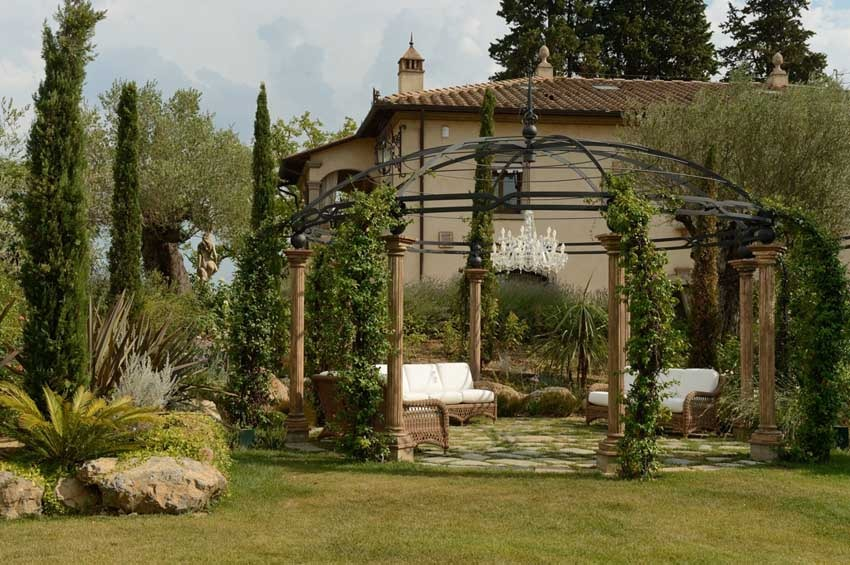 Gardens of Villa Corbinaia for weddings in Tuscany