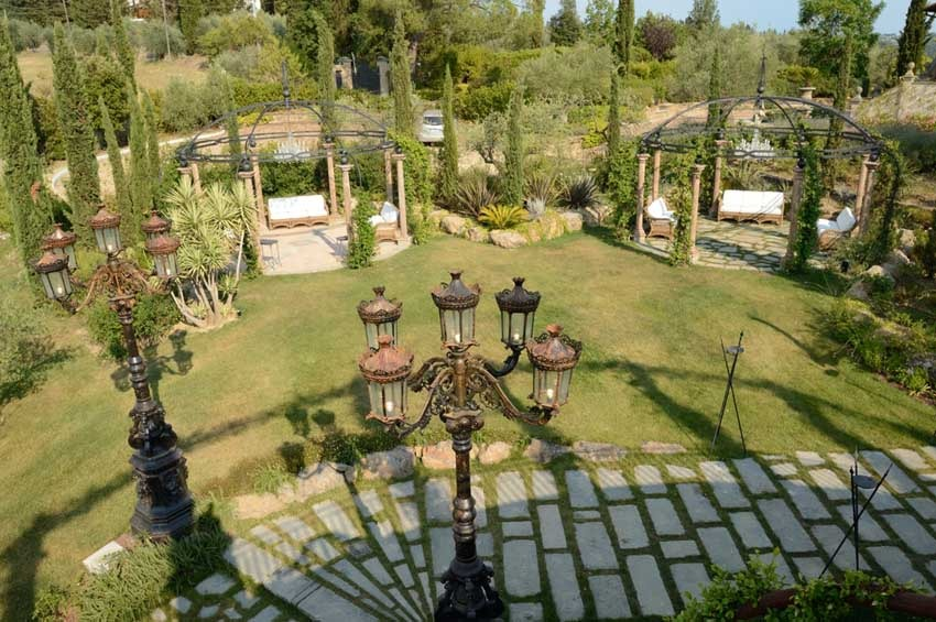 Gardens of Villa Corbinaia for Tuscany weddings