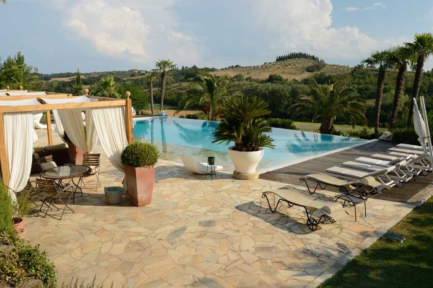 Pool of Villa Corbinaia for destination weddings in Tuscany