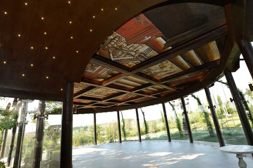 Garden pavilion of Villa Corbinaia for weddings in Tuscany