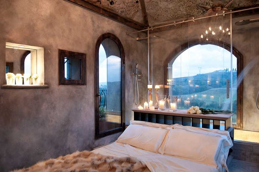 Bedroom of Villa Corbinaia for weddings in Tuscany