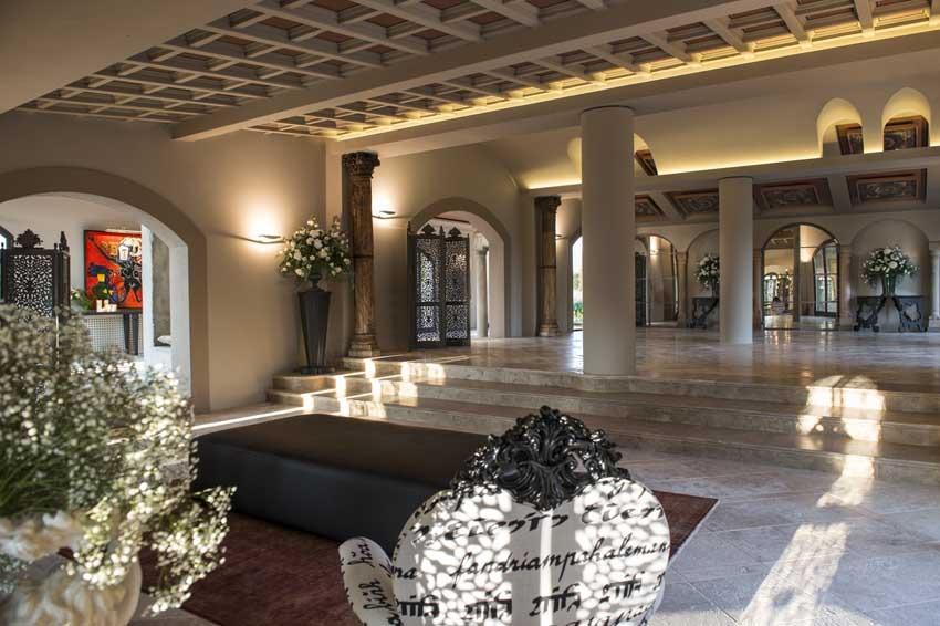 Hall of Villa Corbinaia in Tuscany