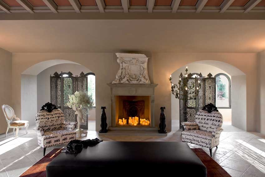 Living room of Villa Corbinaia for weddings in Tuscany