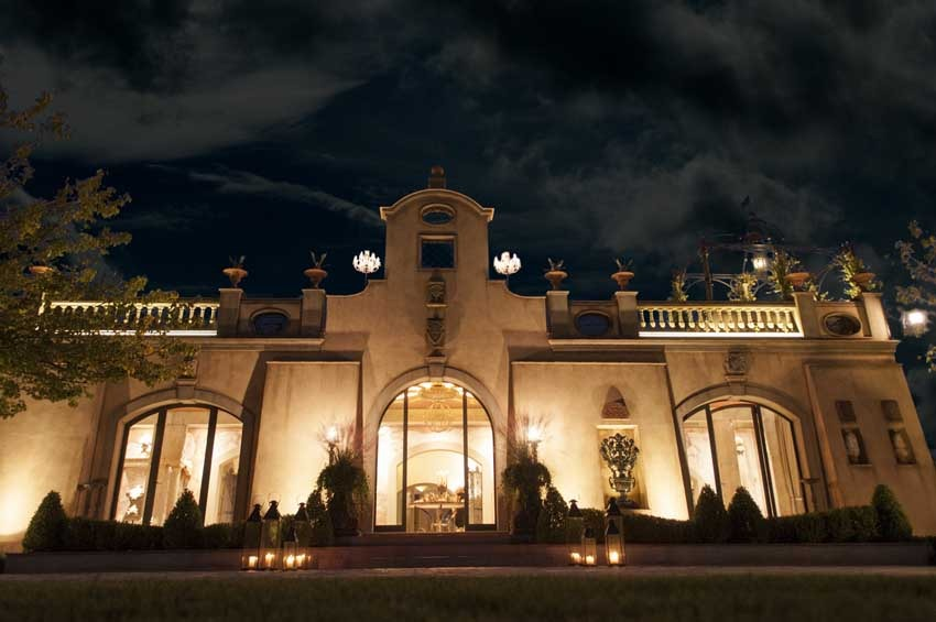 Villa Corbinaia by night for weddings in Tuscany