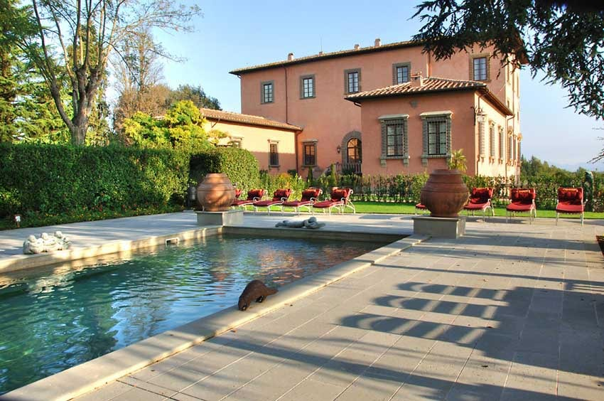 Pool of Villa Mangiacane in Tuscany