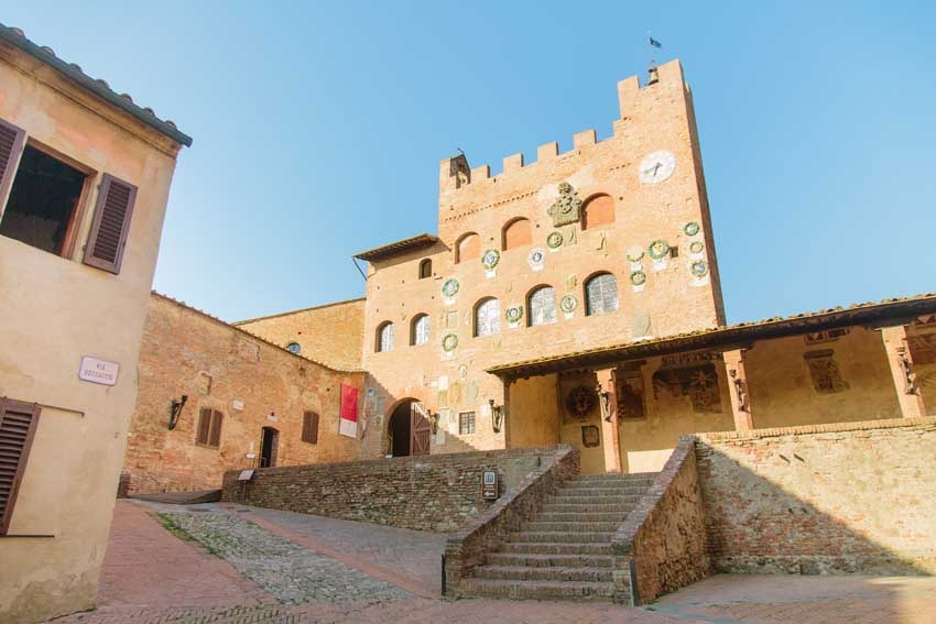Town Hall of Certaldo for civil weddings in Tuscany