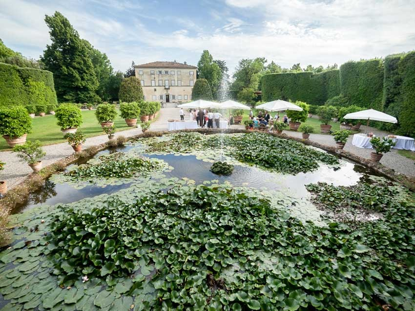 Gardens of Villa Grabau in Lucca, for destination weddings in Tuscany