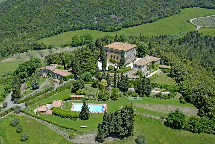 Villa di Ulignano for destination weddings in Tuscany