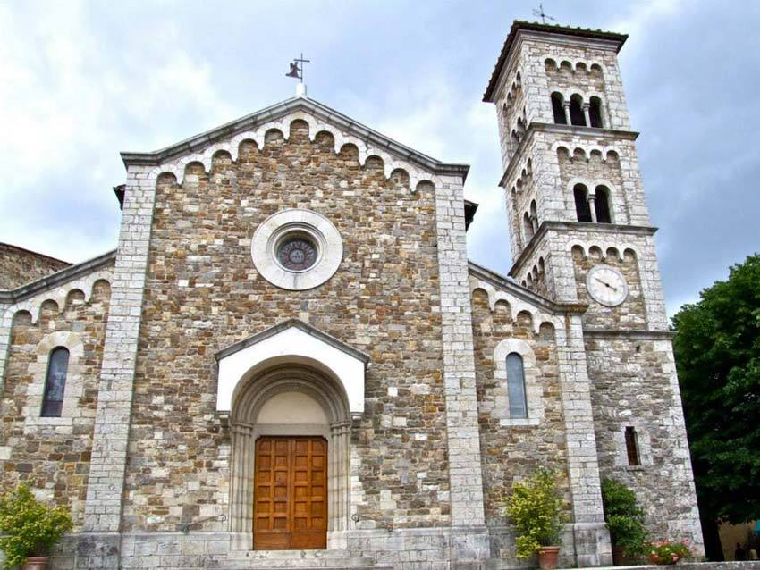 Church for catholic weddings in Castellina in Chianti