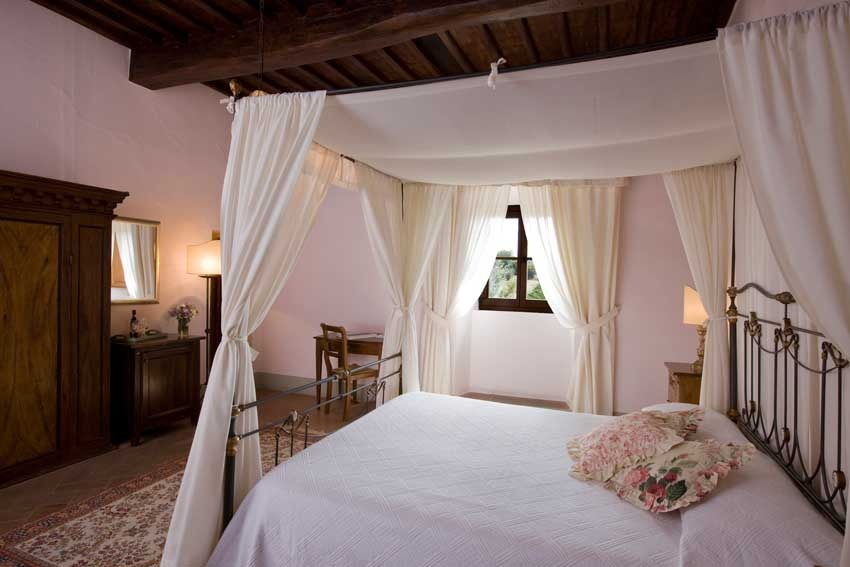 Accommodation at Castello di Meleto for Tuscany weddings in Chianti