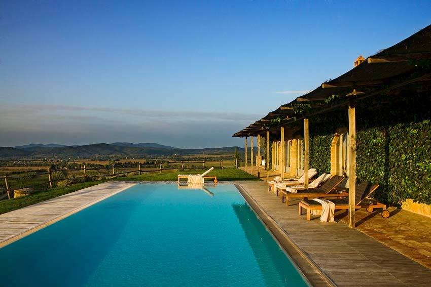 Pool of Conti San Bonifacio for destination weddings in Tuscany