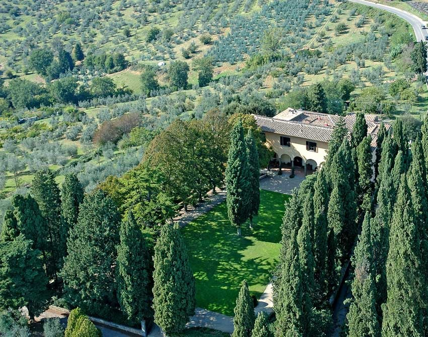 Aerial view of Villa Il Poggiale for weddings in Tuscany