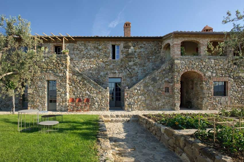 Val d'Orcia villa for Tuscany weddings