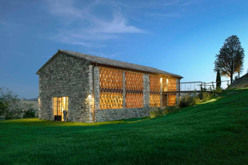 Annex of Val d'Orcia villa for Tuscany weddings