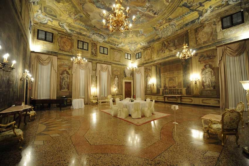 Cà Sagredo for luxury weddings in Venice
