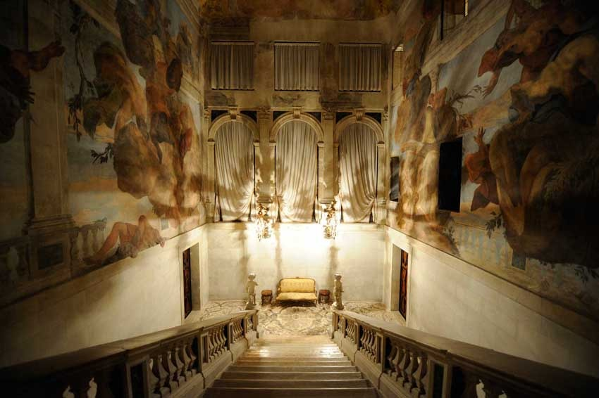 Stairway of Cà Sagredo for luxury weddings in Venice