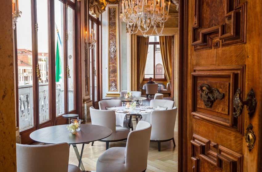 Restaurant of Aman Hotel for exclusive weddings in Venice