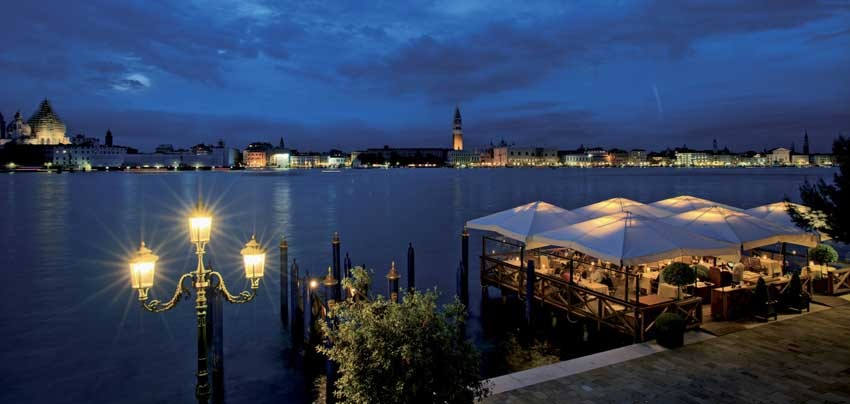 Hotel Cipriani in Venice by night