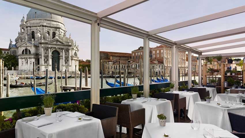 Terrace restaurant of Europa & Regina Hotel for weddings in Venice