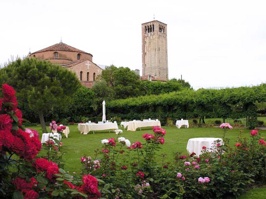 Gardens of Locanda Cipriani for outdoor wedding receptions in Venice