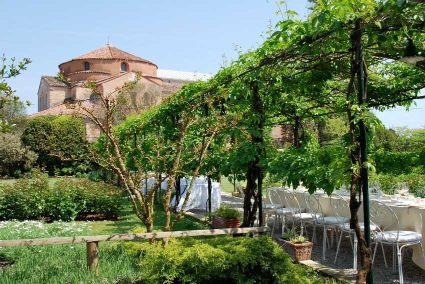 Park of Locanda Cipriani for outdoor wedding receptions in Venice