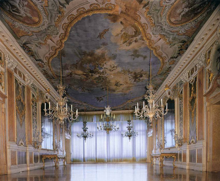 Ballroom of Palazzo Pisani Moretta for luxury weddings in Venice