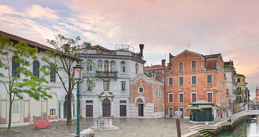 Protestant church for weddings in Venice
